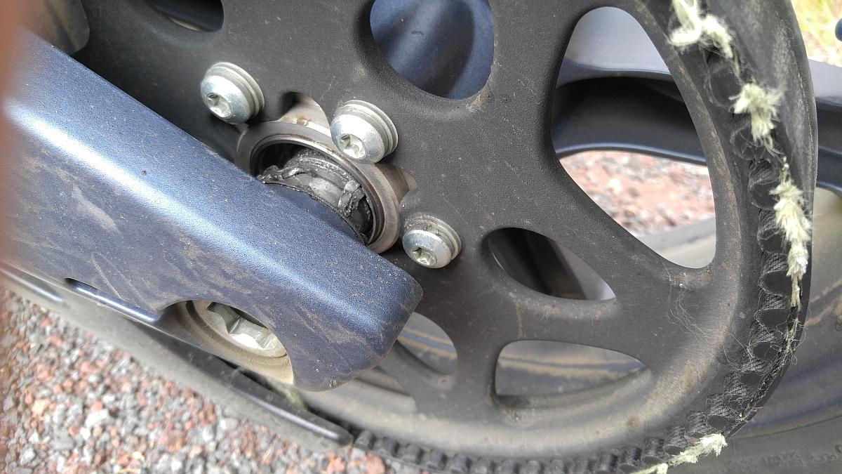 rear wheel bearing fail 2