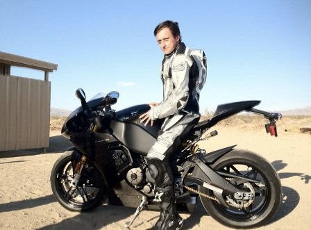 buell forum richard hammond bbc top gear on an 1190rs. Black Bedroom Furniture Sets. Home Design Ideas